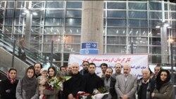 گروه سازندگان فیلم جدایی نادر از سیمین در بازگشت به تهران در فرودگاه تهران