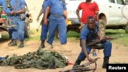 布隆迪警察收缴武器(215年12月12日)