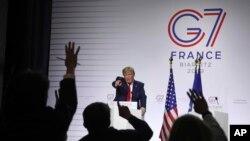 在法國比亞里茨舉行的七國集團峰會的第三天,也是最後一天,特朗普總統在新聞發布會上回答記者提問(2019年8月26日)。