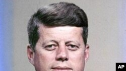 Color portrait of the President of the USA, John F. Kennedy. (1961 file photo)