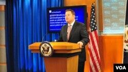 El subsecretario Mike Hammer, responderá las inquietudes de los tuiteros en español.