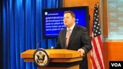 El subsecretario Mike Hammer dio la segunda rueda de prensa que ofrece el Departamento de Estado en español.