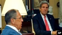 Kerry i Lavrov u Parizu