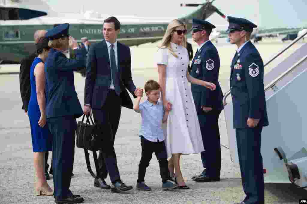 جرد کوشنر مشاور ارشد کاخ سفید و ایوانکا ترامپ به همراه فرزندانشان برای سپری کردن آخر هفته خود مریلند را به مقصد نیوجرسی ترک کردند.