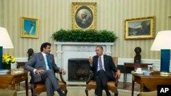 دیدار باراک اوباما رئیس جمهوری اسالات متحده (راست) و شیخ تمیم بن حمد آل ثانی امیر قطر در واشنگتن - ۵ اسفند ۱۳۹۳