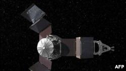 Sonda Xhuno e nisur drejt Jupiterit është e pajisur me panele diellore