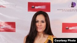 Aktris Wulan Guritno di acara karpet merah Los Angeles Indonesian Film Festival