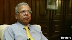 سٹیٹ بینک آف پاکستان کے سابق گورنر ڈاکٹر عشرت حسین۔ فائل
