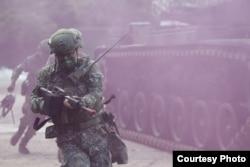 灣漢光演習實施淡水河防演練,阻絕敵軍來犯。(台灣國防部提供)