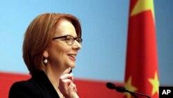 澳大利亚总理吉拉德2013年4月8日在上海浦东中国干部学院回答客人的提问