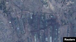 Trupat ruse në kufi