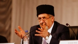 Qrim tatarlar yetakchisi Refat Chubarov Qrimga kirishi taqiqlandi-Malik Mansur lavhasi