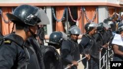 La police lors d'une manifestation à Nouakchott le 16 janvier 2015.