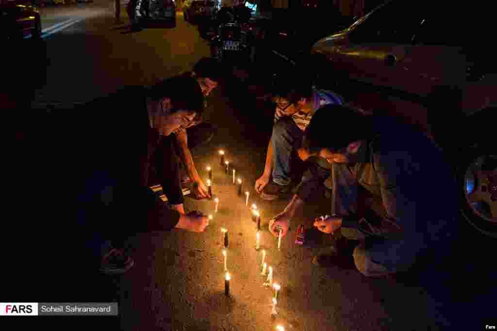 همدردی دانشجویان تهرانی با مردم افغانستان عکس:سهیل صحرانورد