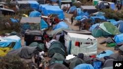 "La ""jungle"" de Calais, le 21 octobre 2015. (AP Photo/Michel Spingler)"