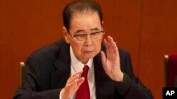 រូបឯកសារ៖ អតីតនាយករដ្ឋមន្ត្រីចិន Li Peng បានទទួលមរណភាពក្នុងអាយុ ៩០ឆ្នាំ។ លោកត្រូវបានគេស្គាល់ថាជាអ្នកដែលអនុវត្តច្បាប់អាជ្ញាសឹកចំពោះបាតុកម្មនៅទីលានធានអានមិន កាលពីឆ្នាំ១៩៨៩ លើអ្នកគាំទ្រប្រជាធិបតេយ្យ។