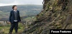 فیلم «هیولائی میآید» از «جی. ای. بایونا»