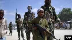 Сомалійські ісламісти нагородили дітей вогнепальною зброєю