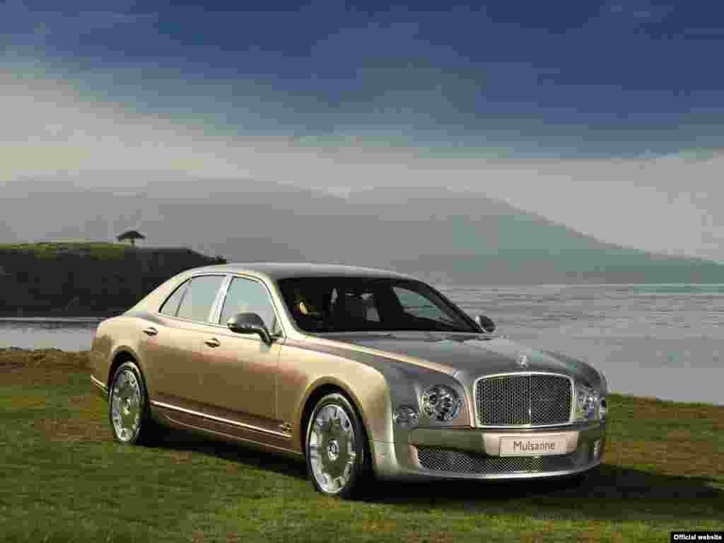 Bentley Mulsanne Potência máxima 512 (377)Cv / 4.200 r.p.m.