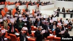 Reform paketinin TBMM''ne sunulması ay sonuna kaldı