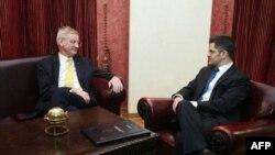 Ministri inostranih poslova Švedske i Srbije, Karl Bilt i Vuk Jeremić, tokom susreta u Beogradu
