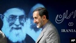 ولایتی ایران را قلب تحولات جهان خواند.
