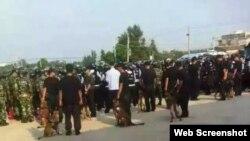 大批警察在上林村執行抓捕行動(網絡圖片 上林村民)