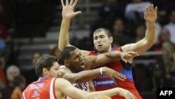 Эпизод встречи между российским баскетбольным клубом ЦСКА и клубом НБА Cleveland Cavaliers. Кливленд. 16 октября 2010 года
