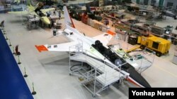한국형 전투기(KF-X) 개발사업의 우선협상대상자로 선정된 한국항공우주산업(KAI)의 생산 조립 공장. (자료사진)