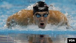 Phelps, de 26 años, se reconcilió con la victoria gracias a un registro de 1 minuto, 53 segundos y 34 centésimas.