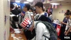 美駐港總領館2016年舉辦觀摩美大選活動(美國之音海彥拍攝)