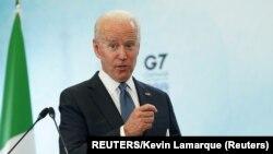 美國總統拜登在工業化七國集團峰會結束後在康維爾機場舉行記者會。 (路透社照片,2021年6月13日)