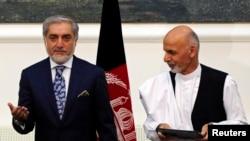 افغانستان میں صدارتی انتخاب کیلئے کلیدی اُمیدوار صدر اشرف غنی اور چیف ایگزیکٹو عبداللہ عبداللہ۔ فائل فوٹو