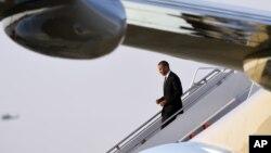Tổng Thống Obama trở về Washington đêm 25/4 sau chuyến công du 1 tuần lễ đến Ả Rập Xê Út, Anh và Đức.