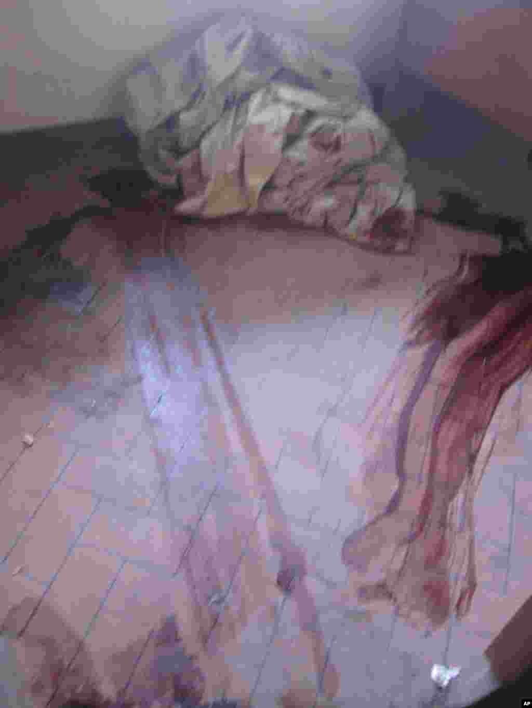 Wanaharakati wa chama cha UDPS walouliwa kwenye makao makuu ya chama Limete, Kinshasa Novemba 27 2011.