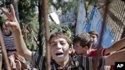 반정부 시위에 참가한 어린이들