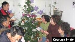 中國各地訪民平安夜在劉鳳鋼牧師家。