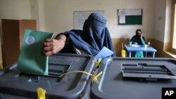 کابینۀ افغانستان طرح قانون انتخابات را به روز دوشنبه در پرنسیب تأیید کرد.