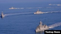 한국 해군 2함대가 지난달 말경 서해 울도 인근 해상에서 해상기동훈련을 실시하고 있다. (자료사진)