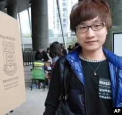 香港市民陳先生投票支持梁振英