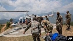 Dostava preko potrebne humanitarne pomoći postradalima u Nepalu