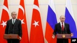 Erdogan e Putin falam a jornalistas