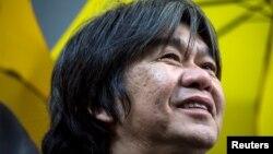 """ທີ່ປຶກສາສະພານິຕິບັນຢັດຂອງຮົງກົງ ທີ່ຮູ້ກັນໃນນາມ """"Long Hair - ຜົມຍາວ"""" ທ່ານ Leung Kwok-hung ຜູ້ສ້າງຕັ້ງໜັງສືພິມ Apple Daily."""