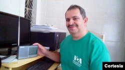Antônio Avelino da Silva, director do DX Clube Sem Fronteiras em Caruaru, Pernambuco, Brasil
