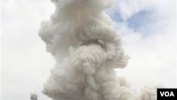 Bahan peledak kembang api yang direncanakan untuk pesta kota Hanoi meledak hari Rabu, 6 Oktober 2010.