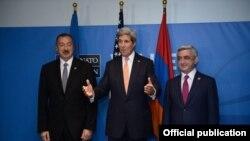 Azərbaycan prezidenti İlham Əliyev, ABŞ dövlət katibi Con Kerri və Ermənistan prezidenti Serj Sarkisyan