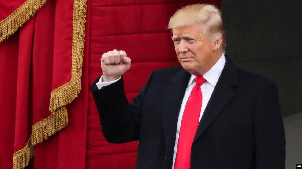 Epoka Trump fillon me premtimin për ndryshim