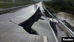 një rrugë e dëmtuar në Tarahuin