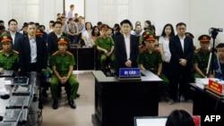 Phiên tòa xét xử các thành viên Hội Anh em Dân chủ, Hà Nội, ngày 5/4/2018.