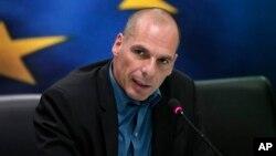 Le ministre grec des Finances, Yanis Varoufakis, durant l'Eurogroupe (AP)